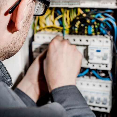 locuri de munca electrician11